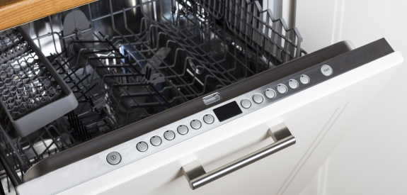 Undgå at bruge opvaskemaskinen halvt fyldt